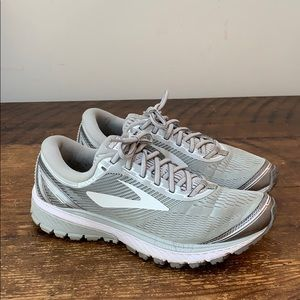 Brooks Ghost 10 Running Shoes  Size 9.5